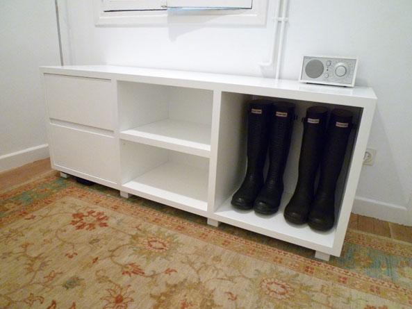 Mueble zapatero lacado para dormitorio