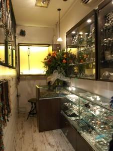 Diseño interior de tienda y fabricación de mobiliario para joyería de plata