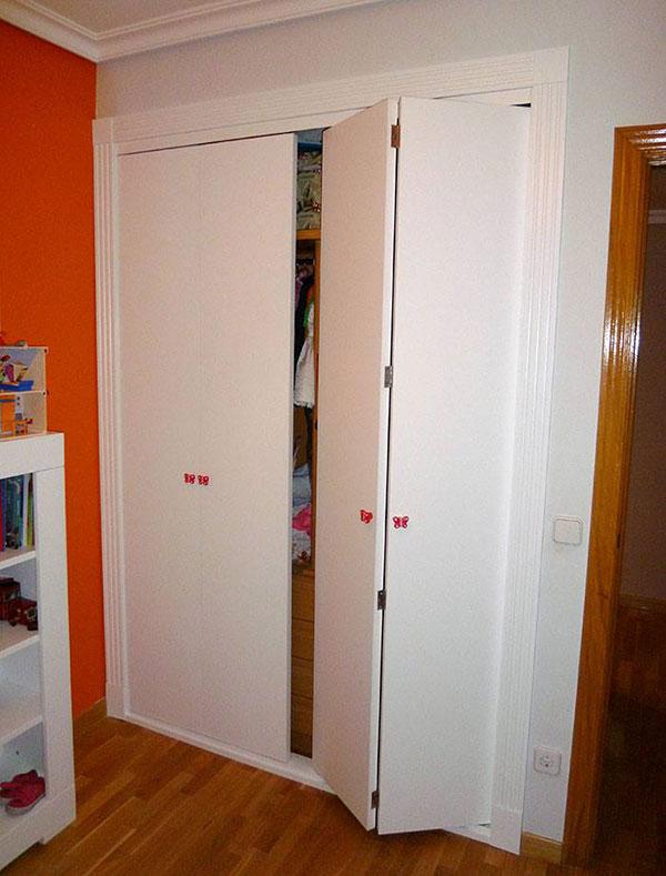 Armario puertas abatibles
