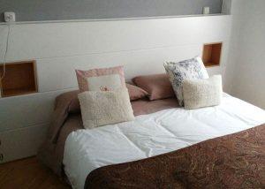 Cabecero de cama lacado en blanco