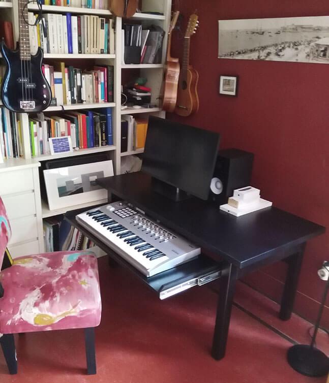 mesa para teclado musical