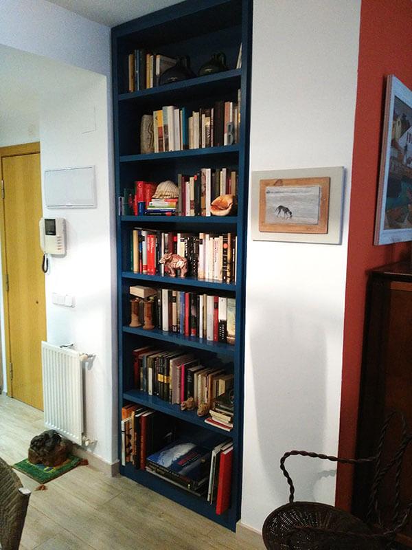 Librería empotrada