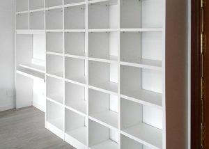 Libreria con escritorio desmentables
