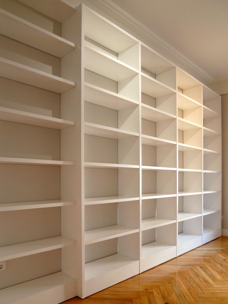 Librería lacada blanca