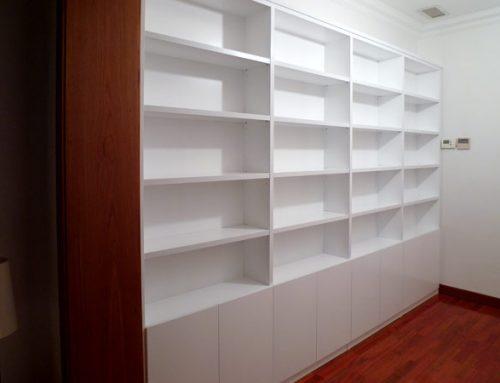 Librería blanca para vivienda particular