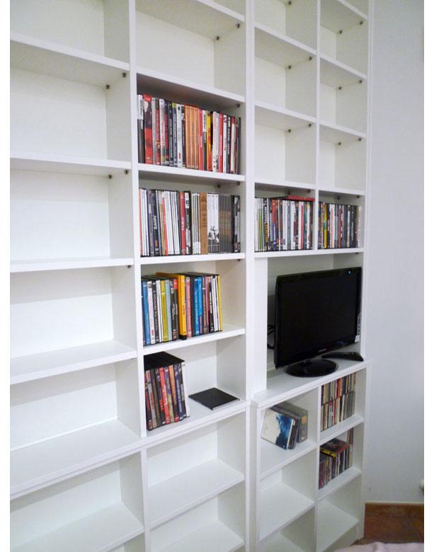 Librería en tablero lacado