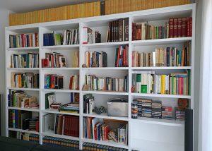 Mueble a medida librería blanca