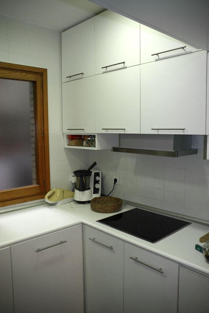 Mueble de cocina con mesa abatible ebanister a mk - Mueble encimera cocina ...