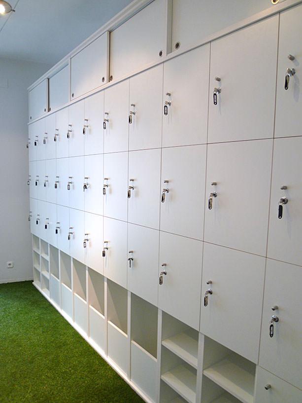 Mueble con taquillas para empresa